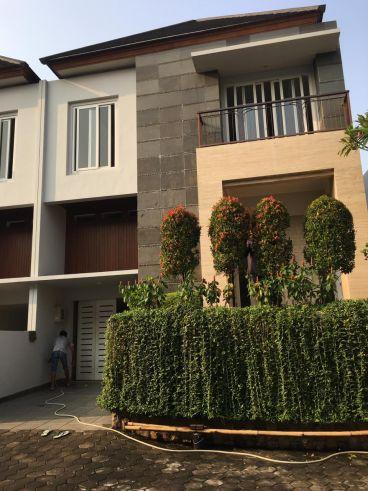 Dijual Ragunan Jakarta Selatan Rumah Cluster Garasi Waa2