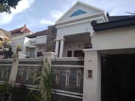 Desain Rumah Minimalis Luas 150m2  dijual rumah minimalis lantai 1 di jalan kerta dalem