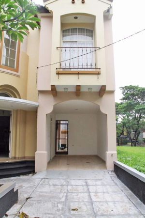 Dbj. Rumah Dijual di Cluster Taman Menteng Lippo Cikarang