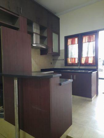 jual rumah murah cantik siap huni 2 1⁄4 lantai perumahan