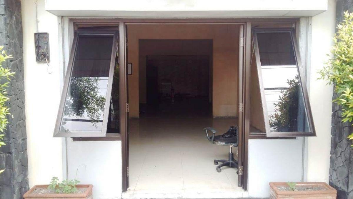 gedung kantor di pusat kota yogyakarta dekat rs bethesda dan ugm