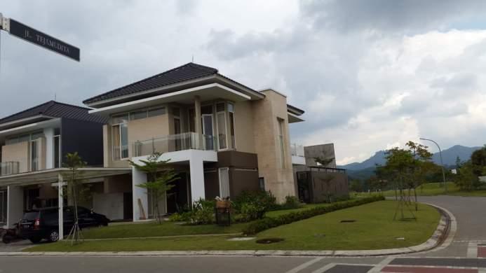 Dijual Rumah Kota Baru Parahyangan