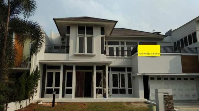 Rumah Depan Taman Di Cluster Livingston Kota Wisata Cibubur