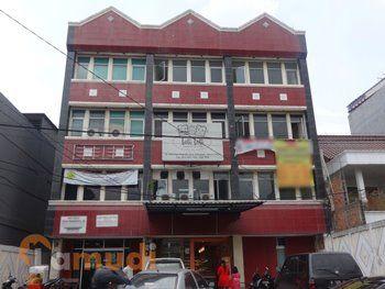 Rumah toko disewakan di Jakarta Timur